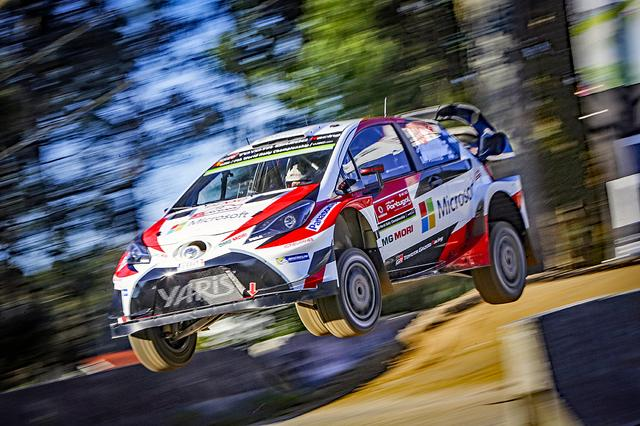 画像: 2017シーズンのWRCを戦うヤリス WRC。展示車両はレプリカだが、雰囲気は変わらない。