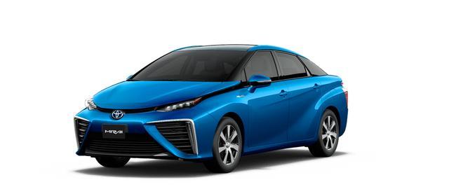 画像: 2014年に発売された燃料電池車(FCV)MIRAIも、EVにカテゴライズされる。HV/PHV/EV/FCV、その他…。近未来の自動車の主力はどのようになるのだろうか。。
