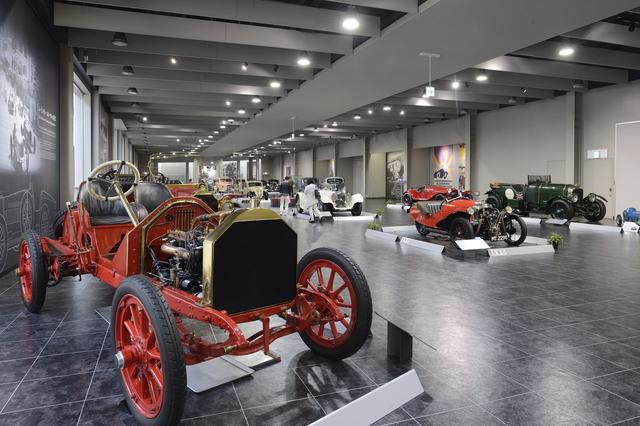 画像: 日本車だけでなく、欧米のクラシックカーの展示も質・量ともに充実している。