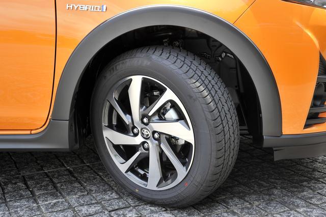 画像: ノーマルより径を1インチアップした185/60R16タイヤを専用アルミホイールに履く。