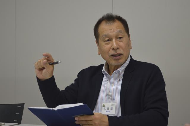 画像: レポートはモータージャーナリストのこもだきよし氏。当時、アドバンHFタイプDに最初に乗った印象を今も忘れないという。
