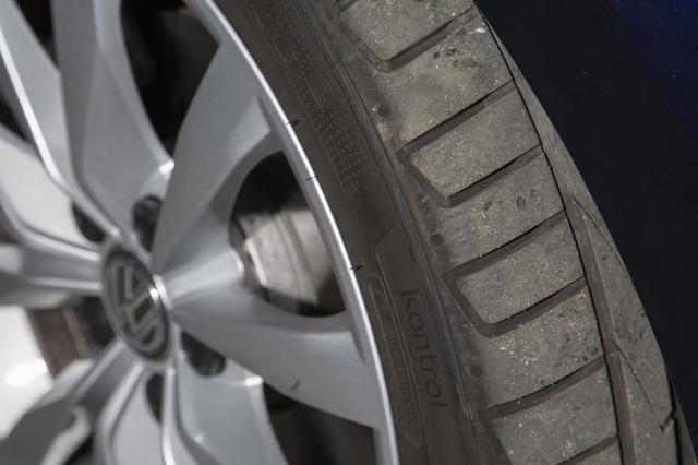 画像: 高い燃費性能を実現するためにエコタイヤは欠かせない。走行抵抗を減らすことはエンジン効率を上げる効果に匹敵。