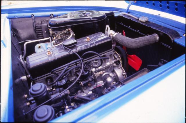 画像: エンジンは直4・OHVの GB4型(1862cc)。グロリアと同じエンジンだったが、3psのパワーアップが図られている。