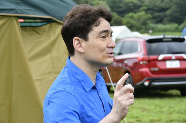 画像: 三菱のアンバサダーになったアルピニストの野口 健さん。「千葉のはずれから東京の事務所まで約60km。アウトランダーPHEVで毎日のようにドライブ。最近はエコ運転に目覚めました(笑)」。