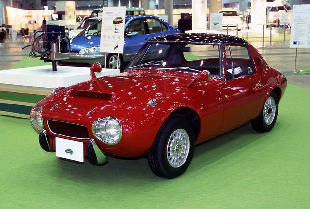 画像: 「トヨタスポーツ800 ガスタービンハイブリッド」1977年製。ガスタービンとモーターを組み合わせたハイブリッド。1977年の東京モーターショーに出展された。
