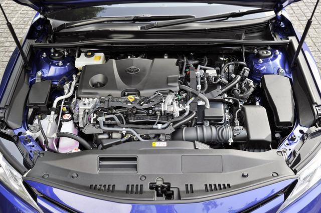画像: 新開発の2.5Lエンジンに第4世代ハイブリッドを組み合わせ、JC08モード燃費は28.4km/Lを達成。