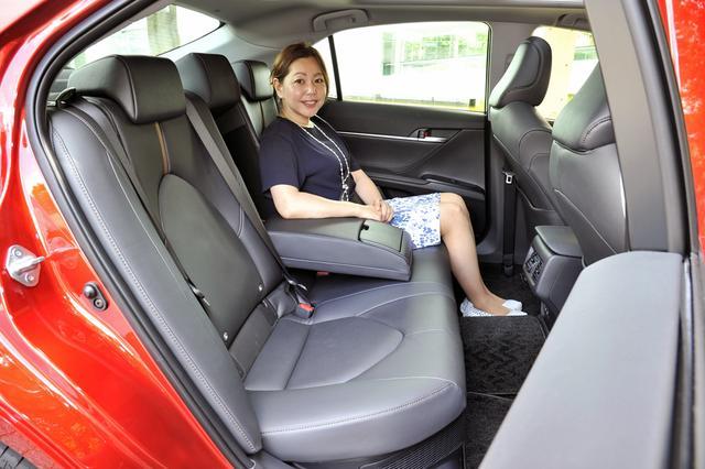 画像: シートスペースは前後ともたっぷりしており、とくに後席はおとな3人が長時間乗っても苦にならないだろう。