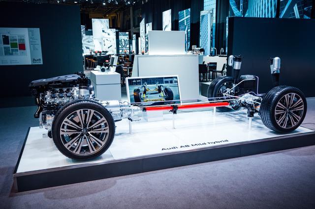 画像: 前後左右のサスペンションに1個ずつ電気モーターを設置、48ボルト電源システムから電力が供給されている。