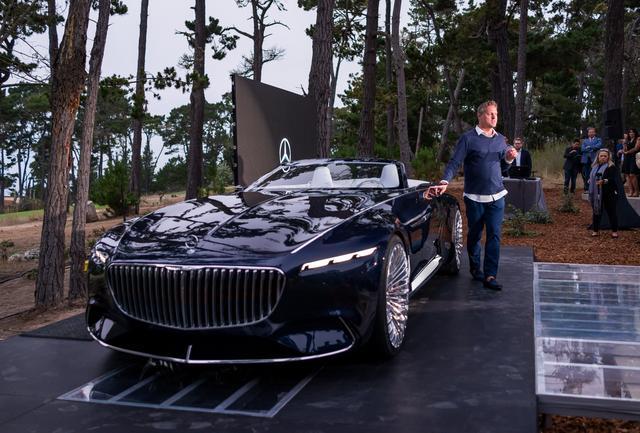 画像: ダイムラーAGのデザイン部門を統括するゴードン・ワーグナー氏によって紹介された「ビジョン メルセデス-マイバッハ6 カブリオレ」。