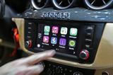 画像: フェラーリにも採用されているアップルCarPlay。最新のホンダNSXをはじめ、メルセデス・ベンツやボルボなど世界24ブランド以上・100車種以上のクルマが対応モデルを販売中だ。