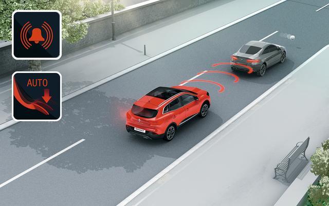 画像: フロントバンパー内のミリ波レーダーが、ルノー カジャーと前方車両の距離を検出し、衝突の可能性が高まると警告灯やブザーにより、ドライバーに回避操作を促す。