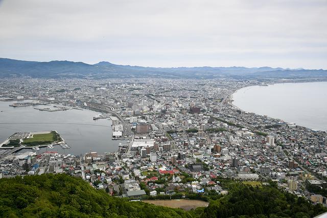 画像: 函館山からの景色。