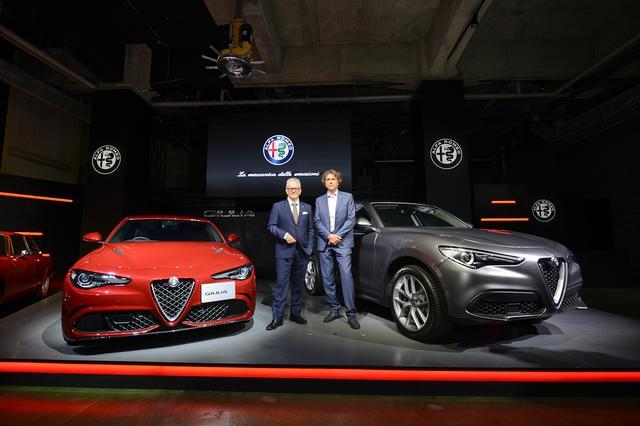 画像: SUVのステルヴィオ(右)も、サプライズで公開された。1年以内に日本で発売開始するという。