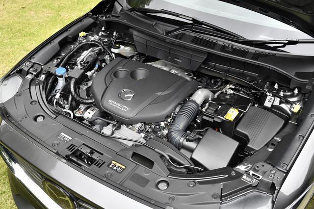 画像: エンジンは2.2Lディーゼルエンジンのみ。排気量は従来と同じだが、大幅なアップデートが加えられている。