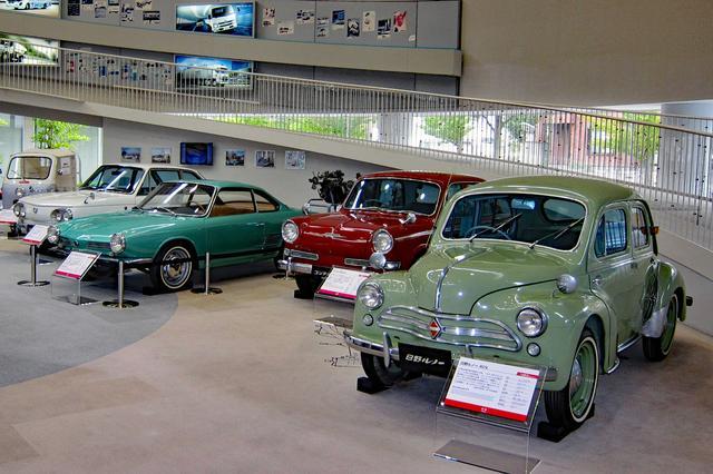 画像: 日野オートプラザの展示車両。右から、日野 ルノー4CV、コンテッサ900、コンテッサ900スプリント、コンテッサ1300。