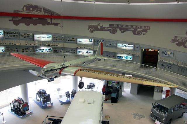 画像: 航研機の実物は、全長約15m、翼幅約28m。870psを発生する45.8Lのエンジンを搭載。5分の1の模型でも、けっこう大きい。