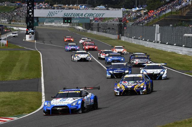 画像: 24号車GT-R、19号車レクサスとヨコハマ1-2でスタート