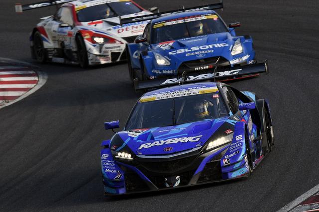 画像: 6番手スタートから9位まで落ちるも、山本尚貴の猛プッシュで終盤順位を上げる100号車NSX