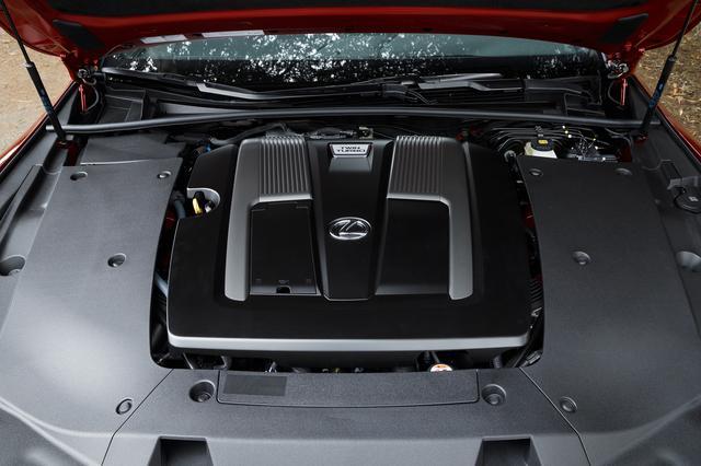 画像: 新エンジンの3.5L V6ツインターボ。