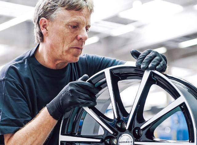 画像: 自動車メーカーへOEM供給するボルベットは、アフターマーケット用にも厳しい基準を設けている。ドイツ製品にはマイスターたちのものづくりの伝統が受け継がれている。