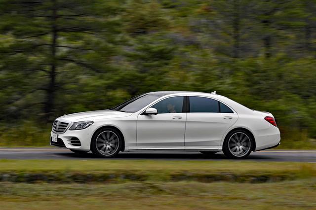 画像: S400でも走りは十分だが、V8ツインターボ+4WD+ロングのS560は、さらに快適だ。