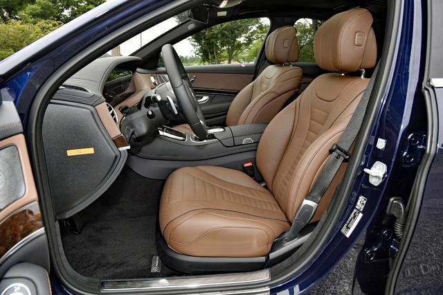 画像: S400のシート。もちろん電動アジャストでヒーター/クーラー、マッサージ機能も備わる。