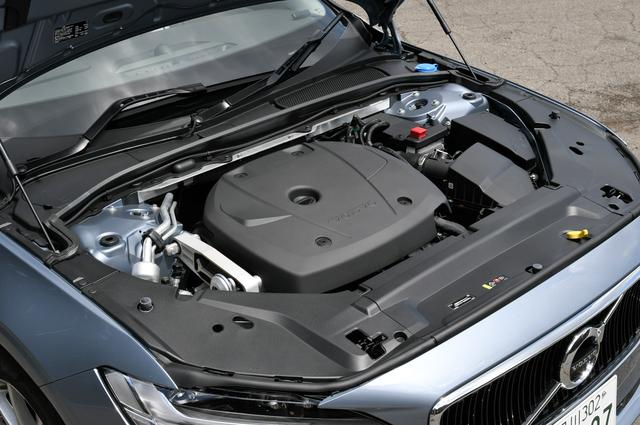 画像: V90 T5に搭載されるパワートレーンはB420型2L直4ターボエンジン(245ps/350Nm)。トランスミッションは8速ATとなる。