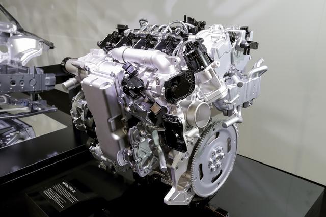画像: スカイアクティブXは1997cc、圧縮比は16.0:1で、最高出力と最大トルクの目標値は190ps/230Nmとのこと。