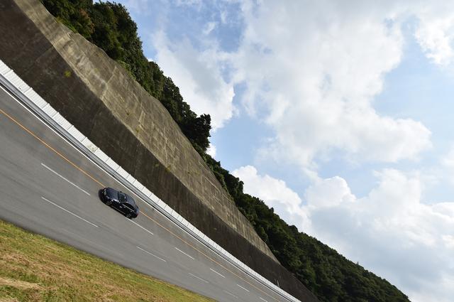 画像: 横浜ゴムテストコース「D-PARC」の周回路は1周2593m。