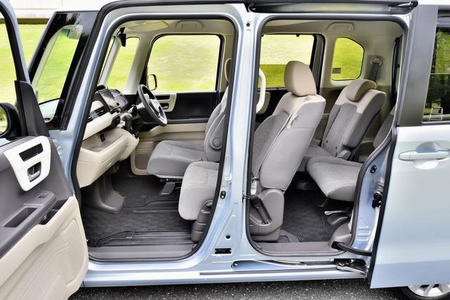 画像: 助手席スーパースライドシートは、前後に570mmの稼働範囲を持ち、後席との連携がスムーズに行える。
