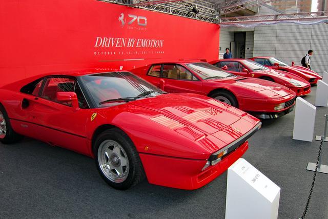 画像: 288GTOにテスタロッサ、F40にENZO…と、スーパーカー好きにはたまらないラインアップ。