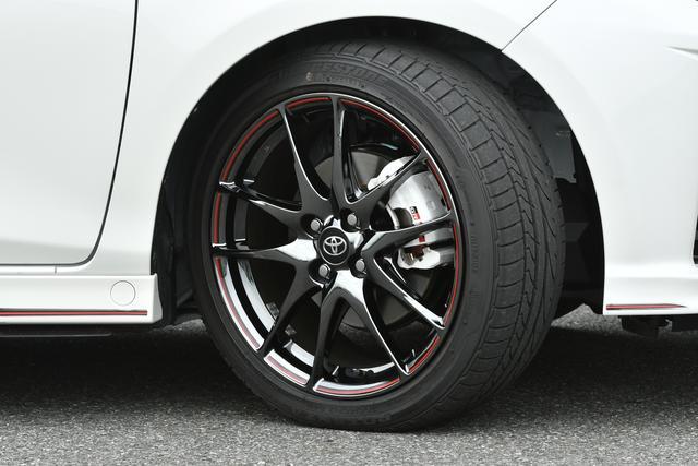 画像: ヴィッツGRのタイヤはGRMNと同じPOTENZA RE050A(205/45R17)を装着。