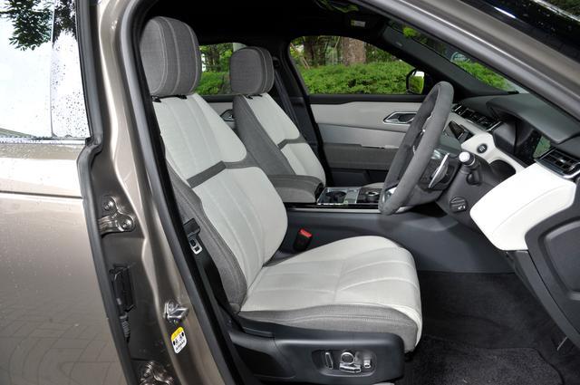 画像: レンジローバーヴェラールは自動車メーカーで初となるクヴァドラ社製の耐久性の高いプレミアムテキスタイルをオプションで選択できる。