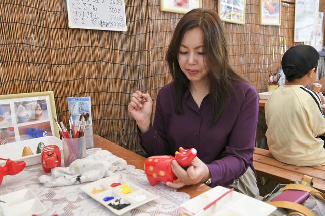 画像: 福島の郷土玩具「赤べこ」の絵付けに挑戦! 上手くいくかなー? 心配。