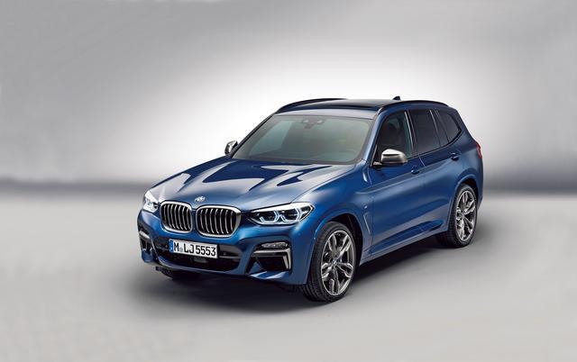 画像: 新型BMW X3のキドニーグリルは従来モデルと比較して大きくなり、存在感を強く主張している。