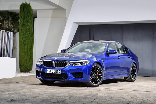 画像: BMW M5。M xDriveの採用で走るは数段レベルが上がった。