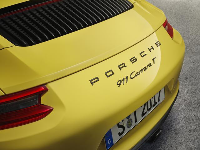 """画像: グレーの""""911 Carrera T""""エンブレムがなかなかよい。"""