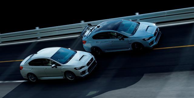 画像: 写真上がドライカーボンルーフやS208ロゴ入りのドライカーボンリアスポイラーを採用した「NBR CHALLENGE PACKAGE(カーボンリアウイング付車)」、写真下が標準仕様。