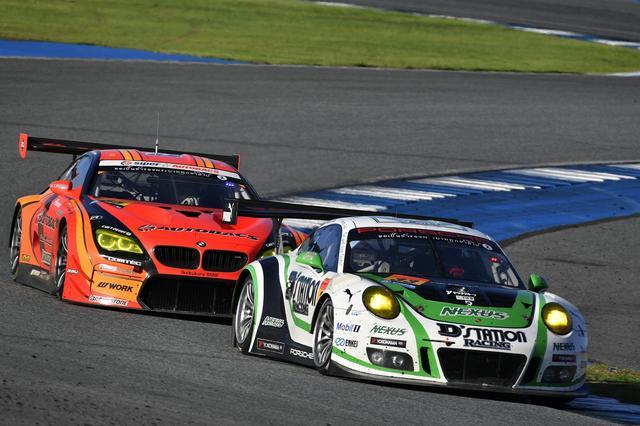 画像: テール・トゥ・ノーズの3位争いは33号車Porscheに軍配が上がる