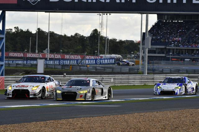 画像: 周回遅れにしたはずの3号車GT-Rと25号車86MCのペースがトップ21号車Audi R8を上回る!