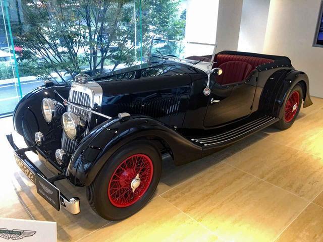 画像: 1937年式15/98ツアラーというヒストリックモデルも展示された。