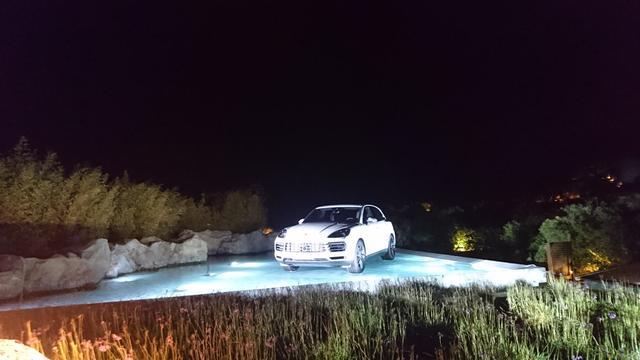 画像: 【現地生レポート】多くのクレタ島民にサムズアップで歓迎された新型ポルシェカイエン