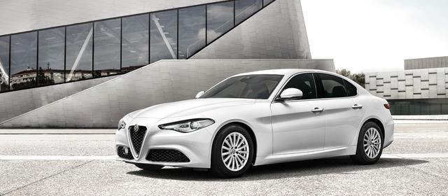 画像: GIULIA (ジュリア) - 独創のデザインと革新技術の粋が生んだ、珠玉のプレミアムセダン。 | Alfa Romeo(アルファ ロメオ)