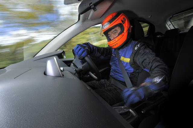 画像: 【超高速ドラテク講座】第1回「ドライビングポジション」人車一体となるための基礎の基礎