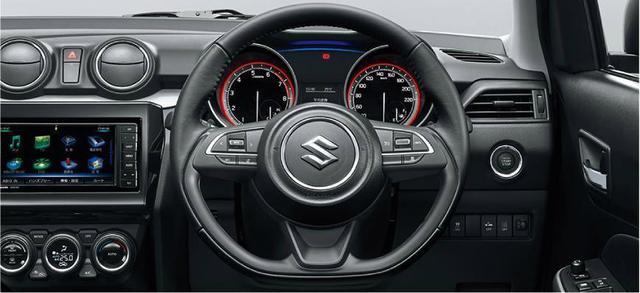 """画像: スズキ スイフトの特別仕様車"""" XG リミテッド""""は本革ハンドルを装備する。セーフティパッケージレス仕様車はウレタンハンドルとなる。"""