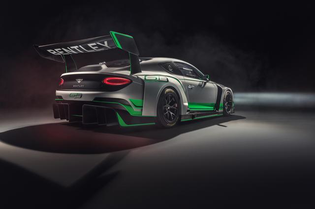 画像: レースカーは後輪駆動で6速シーケンシャルギアボックスを持つ。