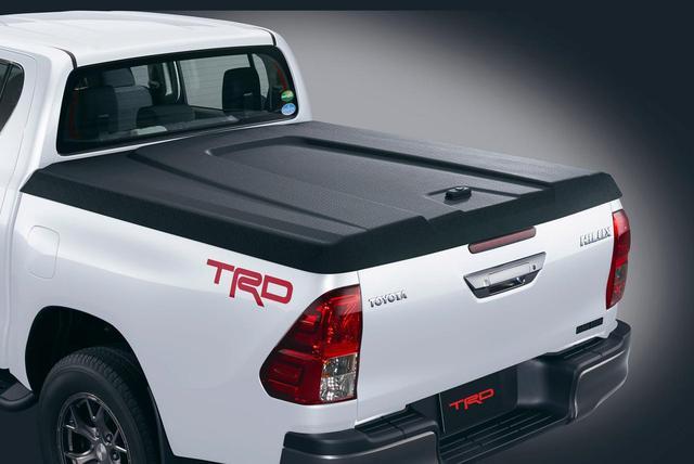 画像: TRDが販売する樹脂製のハードトノカバーもいい。