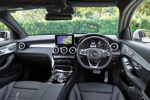 画像: GLCと共通イメージのインテリア。車高はやや低められているが、乗るとほとんど違いは感じられない。