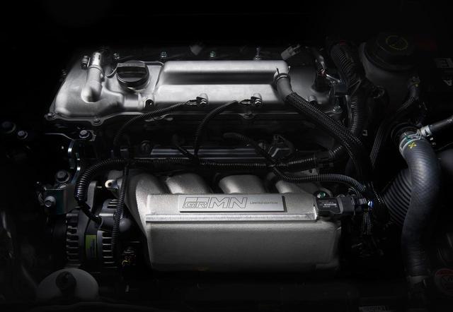 画像: エンジンは1.8Lスーパーチャージャーの2ZR-FEを搭載。駆動方式はFF。