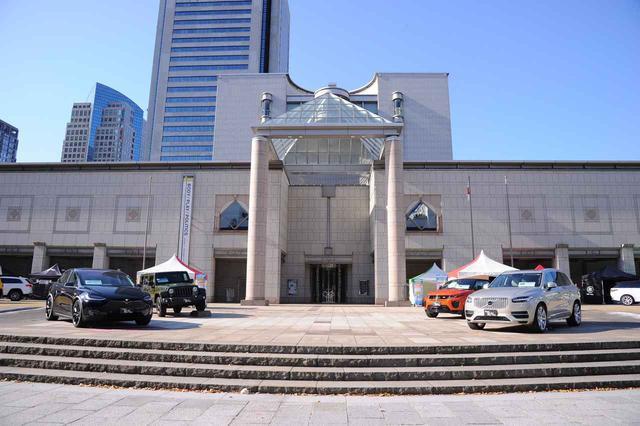 画像: 前回インポートSUV&クロスオーバーフェアでの模様。会場は今回も同じく横浜美術館前で開催される。
